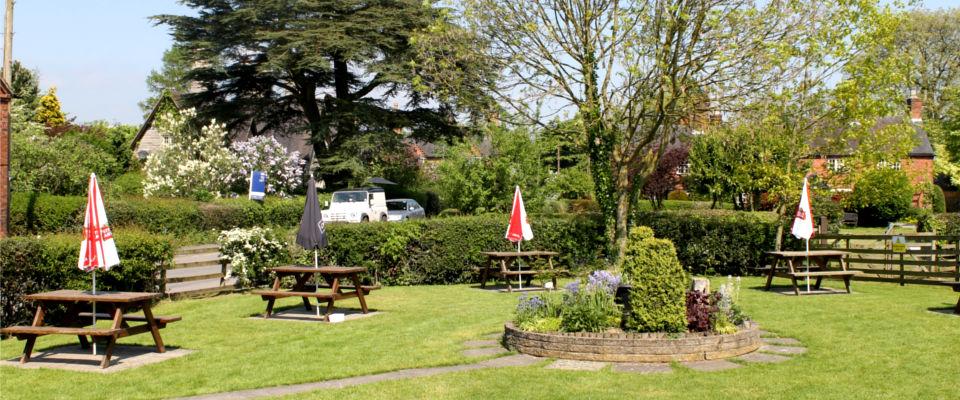 Derbyshire Pub Osmaston, beer garden